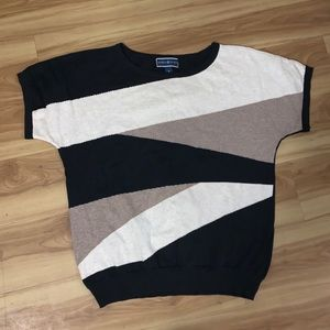Short sleeve sweater top
